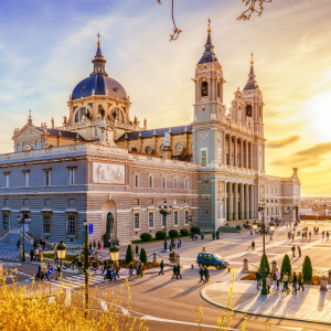 Bzzgetaway best deal - Europe - Madrid 1